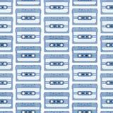 Αναδρομικό άνευ ραφής υπόβαθρο με τις κασέτες ήχου Μαγνητικό tileable σχέδιο audiotapes Στοκ Φωτογραφία
