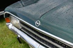 Αναδρομικό έμβλημα Opel Rekord αυτοκινήτων στοκ φωτογραφία