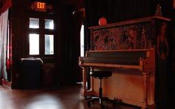 Αναδρομικό εσωτερικό φραγμών πιάνων στην Αθήνα, Γεωργία Στοκ Εικόνα