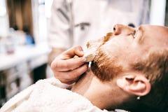 Αναδρομικό ξύρισμα με τον αφρό Στοκ Φωτογραφία