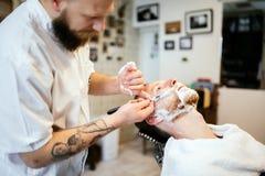 Αναδρομικό ξύρισμα με τον αφρό Στοκ Εικόνες