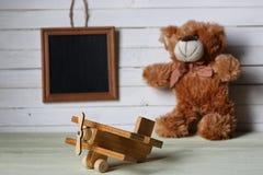 Αναδρομικό παιχνίδι στο ξύλινο κείμενο θέσεων πινάκων Στοκ φωτογραφία με δικαίωμα ελεύθερης χρήσης