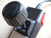 Αναδρομικό τηλεοπτικό πηδάλιο παιχνιδιών στοκ φωτογραφίες με δικαίωμα ελεύθερης χρήσης