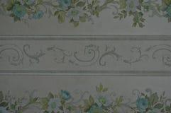 Αναδρομικό υπόβαθρο ταπετσαριών λουλουδιών και twirls Στοκ εικόνες με δικαίωμα ελεύθερης χρήσης