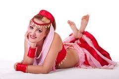 Αναδρομικό χαμόγελο bellydancer στοκ φωτογραφία με δικαίωμα ελεύθερης χρήσης
