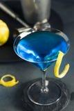 Αναζωογονώντας μπλε Martini κοκτέιλ Στοκ Εικόνες