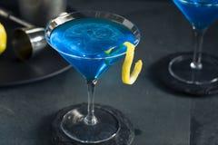 Αναζωογονώντας μπλε Martini κοκτέιλ Στοκ Εικόνα