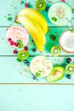 Αναζωογόνηση milkshakes ή καταφερτζήδες στοκ φωτογραφία με δικαίωμα ελεύθερης χρήσης
