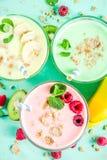 Αναζωογόνηση milkshakes ή καταφερτζήδες στοκ φωτογραφίες