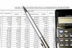 αναθεωρημένος υπολογισμός με λογιστικό φύλλο (spreadsheet) στοκ φωτογραφία