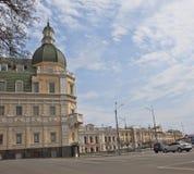 Ανακαινισμένο παλαιό σπίτι στην οδό Rymarskaya σε Kharkov Στοκ φωτογραφία με δικαίωμα ελεύθερης χρήσης