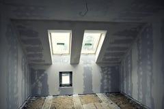 Ανακαινισμένο δωμάτιο στη σοφίτα στοκ εικόνα