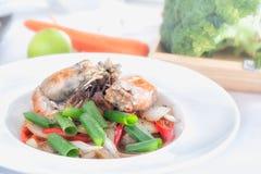 Ανακατώνω-τηγανισμένες μαύρες γαρίδες πιπεριών Στοκ Εικόνες