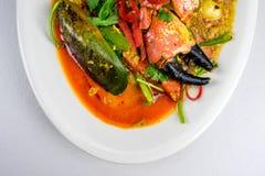 Ανακατώνω-τηγανισμένο κάρρυ καβουριών Στοκ Εικόνες