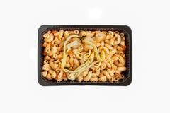 ανακατώστε στη σάλτσα μακαρονιών και ντοματών Στοκ Εικόνα