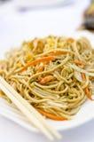 Ανακατώστε τα τηγανισμένα κινεζικά νουντλς Στοκ Εικόνες
