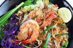Ανακατώστε την τηγανισμένη γραμμή γυαλιού φυκιών με τις γαρίδες (μαξιλάρι Ταϊλανδός) Στοκ Φωτογραφίες