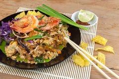Ανακατώστε την τηγανισμένη γραμμή γυαλιού φυκιών με τις γαρίδες (μαξιλάρι Ταϊλανδός) Στοκ εικόνα με δικαίωμα ελεύθερης χρήσης