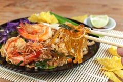 Ανακατώστε την τηγανισμένη γραμμή γυαλιού φυκιών με τις γαρίδες (μαξιλάρι Ταϊλανδός) Στοκ φωτογραφία με δικαίωμα ελεύθερης χρήσης