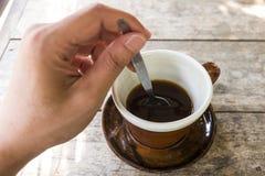 Ανακατώστε τον καφέ Στοκ Φωτογραφίες