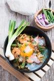 Ανακατώστε το τηγανισμένο κίτρινο hokkian phuket μαξιλαριών νουντλς mee Στοκ φωτογραφία με δικαίωμα ελεύθερης χρήσης