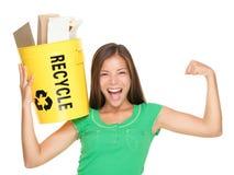 ανακυκλώνοντας γυναίκα Στοκ φωτογραφία με δικαίωμα ελεύθερης χρήσης