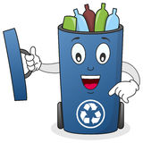Ανακυκλώστε το χαρακτήρα δοχείων αποβλήτων Στοκ Φωτογραφία
