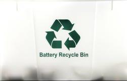 Ανακύκλωσης δοχείο μπαταριών Στοκ Φωτογραφίες