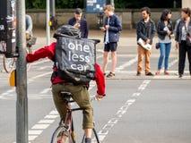 Ανακύκλωση για να σώσει το περιβάλλον Στοκ φωτογραφία με δικαίωμα ελεύθερης χρήσης