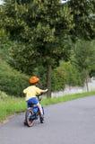 Ανακύκλωση παιδιών σε μια πορεία Στοκ φωτογραφία με δικαίωμα ελεύθερης χρήσης