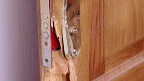 Σπασμένη πόρτα απόθεμα βίντεο