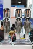 Αναμίκτες για την παραγωγή milkshakes στοκ εικόνα