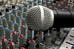 Αναμίκτης και μικρόφωνο Στοκ Εικόνες