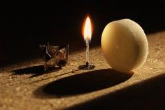 αναμμένος tealight στοκ φωτογραφία με δικαίωμα ελεύθερης χρήσης