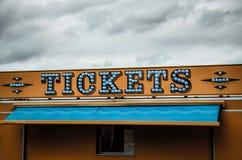 Αναμμένο εισιτήρια σημάδι Στοκ εικόνα με δικαίωμα ελεύθερης χρήσης