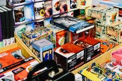 Αναμνηστικά Comics διαθέσιμα για την πώληση στο κατάστημα κόμικς στοκ φωτογραφίες