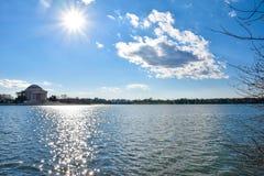 Αναμνηστική άποψη του Thomas Jefferson από τη λίμνη Washington DC, ΗΠΑ Στοκ φωτογραφίες με δικαίωμα ελεύθερης χρήσης