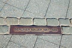 Αναμνηστική ταμπλέτα για το τείχος του Βερολίνου Στοκ Φωτογραφία