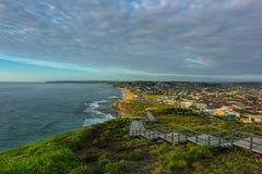 Αναμνηστικοί περίπατος Anzac και παραλία φραγμών στο Νιουκάσλ NSW Αυστραλία Στοκ Εικόνες