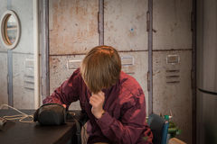 Αναμονή αγοριών Στοκ Φωτογραφίες