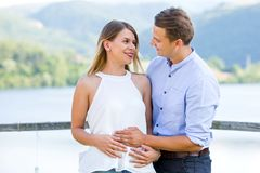 αναμονή ζευγών μωρών ευτυ&c Στοκ Φωτογραφία