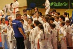 Αναμονή μαχητών Jitsu Jiu, έτοιμη για την κατάρτιση στοκ εικόνα με δικαίωμα ελεύθερης χρήσης