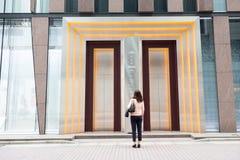 Αναμονή την είσοδο στη De Beers Στοκ φωτογραφία με δικαίωμα ελεύθερης χρήσης