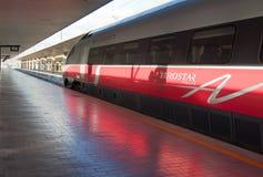 αναμονή τραίνων σταθμών frecciargento τ&eta Στοκ εικόνες με δικαίωμα ελεύθερης χρήσης