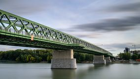 Ανανεωμένη παλαιά γέφυρα στη Μπρατισλάβα στοκ φωτογραφία με δικαίωμα ελεύθερης χρήσης