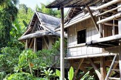 Αναπαραγωγή ενός σπιτιού του Λάος στη φυτεία μπαμπού Anduze Στοκ Φωτογραφίες
