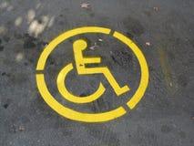 αναπηρική καρέκλα συμβόλ&omeg Στοκ Φωτογραφίες