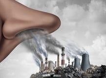 Αναπνέοντας τοξική ρύπανση στοκ εικόνα με δικαίωμα ελεύθερης χρήσης