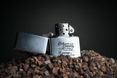 Αναπτήρας στο αμμοχάλικο Στοκ εικόνα με δικαίωμα ελεύθερης χρήσης