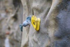 Αναρρίχηση της κίτρινης λεπτομέρειας τοίχων στοκ φωτογραφίες